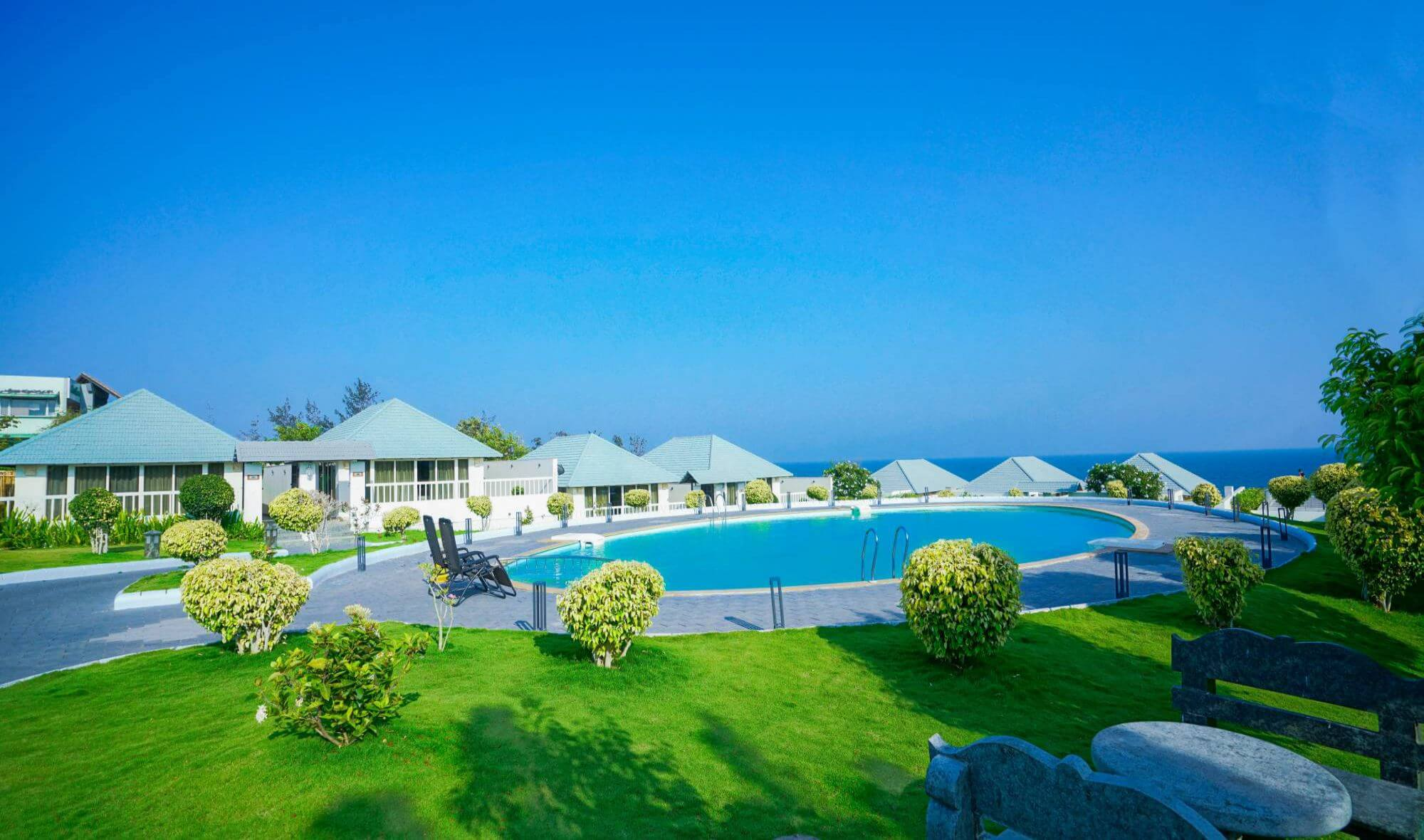 Luxury resorts with Swimming Pool Kanyakumari